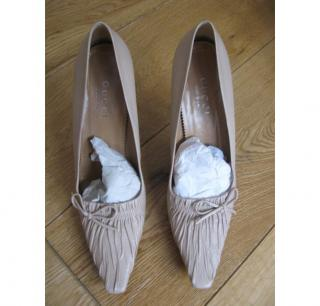 Gucci beige court shoes