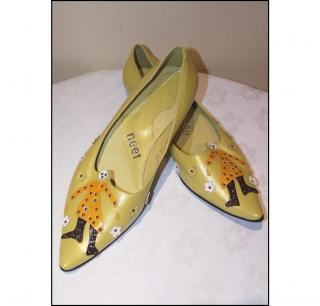 Applique leather pumps by NEET, size 39/6  NEW