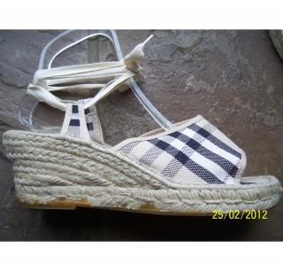 BURBERRY NOVA CHECK CANVAS ROPE WEDGE ESPADRILLE SANDAL