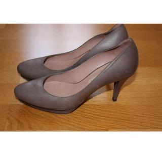 Pura Lopez grey court shoes